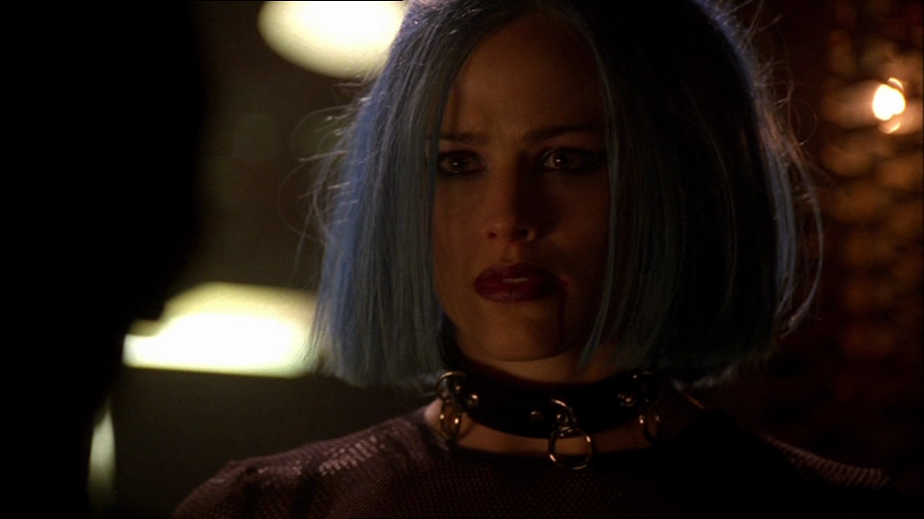 Alias – 'Almost Thirty Years' (1×22)